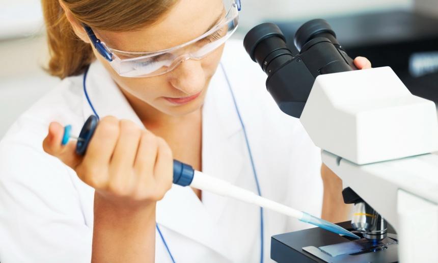 С какой анестезией можно лечить зубы во время беременности
