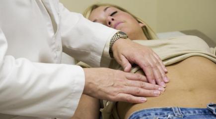 Болит киста яичника что делать и как лечить