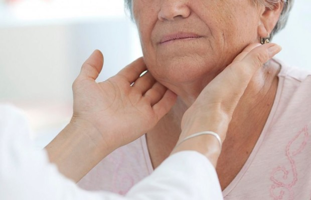 Осмотр щитовидки